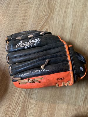 Kids Rawlings baseball glove for Sale in Hollywood, FL