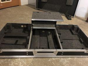 Dj travel case, coffin with pc shelf for Sale in Atlanta, GA