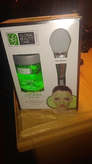 Cucumber face mask with applicator for Sale in Edison, NJ