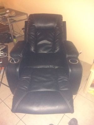Black leather electric lazy boy recliner for Sale in Sebring, FL