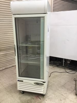 Restaurant Upright refrigerator for Sale in Manassas Park, VA