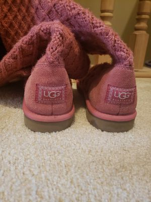 Uggs size 9 for Sale in Painesville, OH