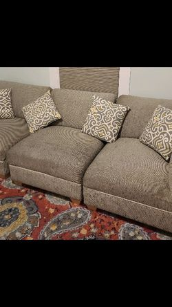 Free 3 Piece Sectional for Sale in Clinton,  MA