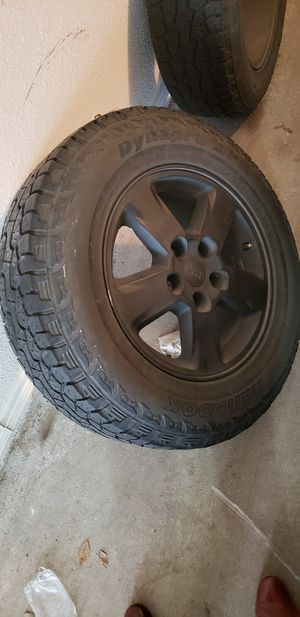 Stock 2013 Jeep Grand Cherokee Wheels 17 inch for Sale in Houston, TX
