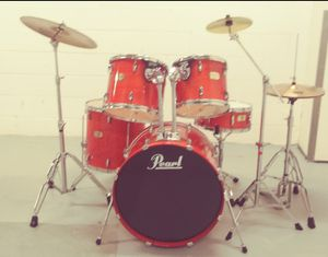 EXCELLENT CONDITION FULL PEARL DRUM SET. CYMBALS, STANDS AND HARDWARE INCLUDED. for Sale in Baltimore, MD