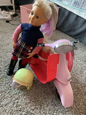 """American girl 18""""doll and scooter for Sale in Lacey, WA"""