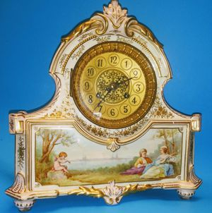 Antique Franch mantle clock hand painted,windup,chim for Sale in Anaheim, CA