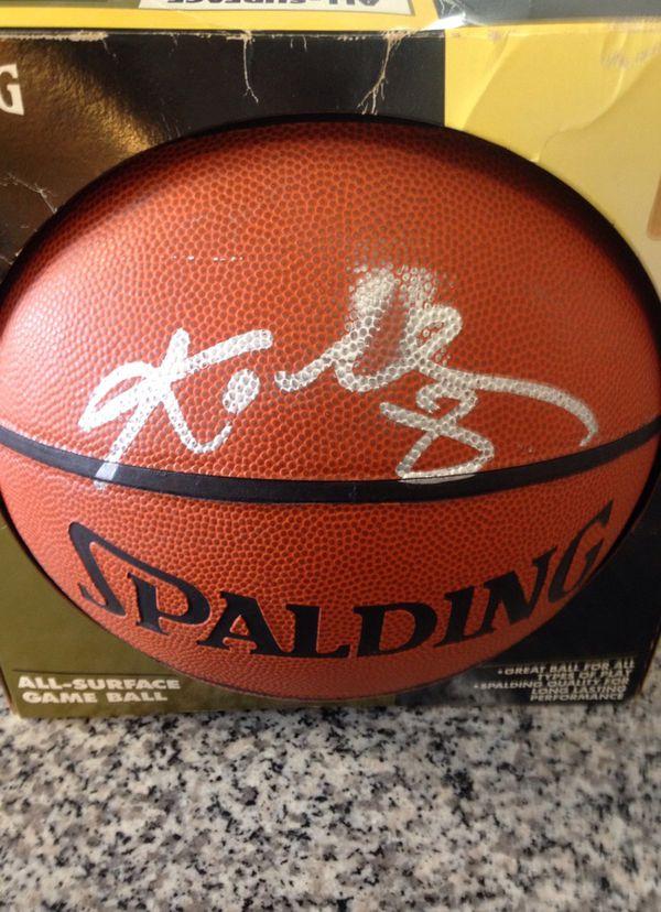 Kobe Bryant #8 Signed Ball '99 (Verifiable/Blemished)