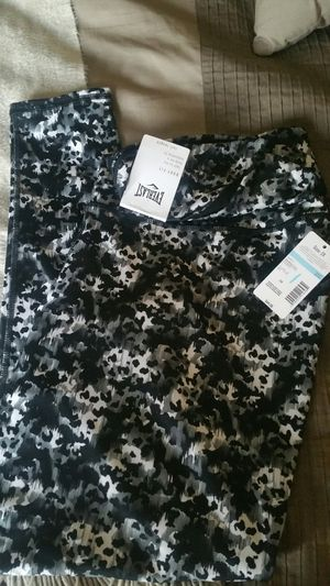 New Everlast Body Fit workout leggings size 2x. Pick up only. for Sale in Reedley, CA
