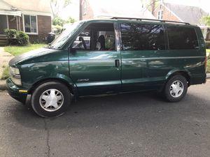 1998 Chevy Astro Van for Sale in Detroit, MI