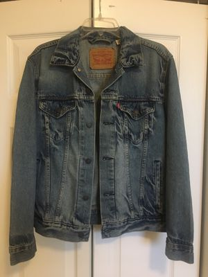 Levi's denim jacket size small for Sale in Cutler Bay, FL