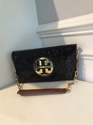 Shoulder bag. (Real Tory Burch ) black and brawn with gold chain for Sale in Southfield, MI