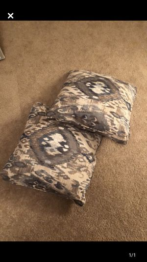 Couch pillows for Sale in Bloomington, IL