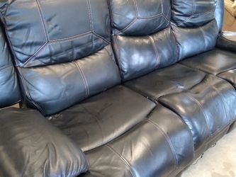 Black Leather couch, Great Condition Super Comfortable for Sale in Nashville,  TN
