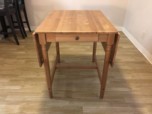 Dining table and chair for Sale in Santa Clara, CA