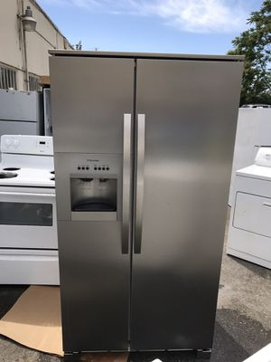 San Carlos Appliances. Used,26 cu.ft refrigerator , stainless, side by side, energy star, ice maker, water dispenser , work great , great condition for Sale in San Jose, CA