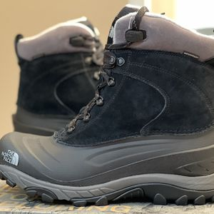 Brand New North Face Chilkat 3 Winter Boot Men's for Sale in Chicago, IL