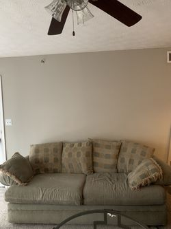 Couch set ( includes pull out bed)! for Sale in Smyrna,  GA