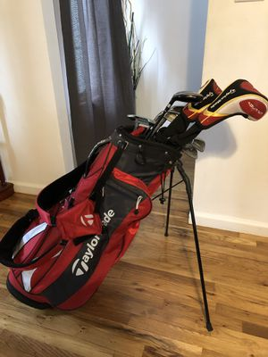 Selling Golf club set and bag for Lefties for Sale in Union City, NJ