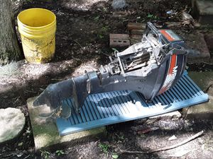 15 horse mariner boat motor runs good for $600 call {contact info removed} for Sale in Columbia, LA