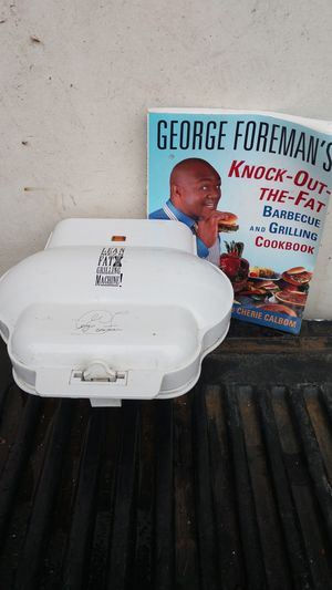 George forman grill with George forman cook book for Sale in Owosso, MI