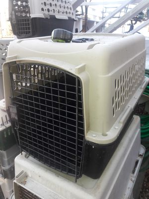 Dog cage kennel 30 x 21 n 24 inch tall medium size . 400 other items listed on site for Sale in Decatur, GA
