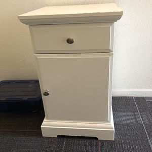 Storage Cabinet for Sale in Los Angeles, CA