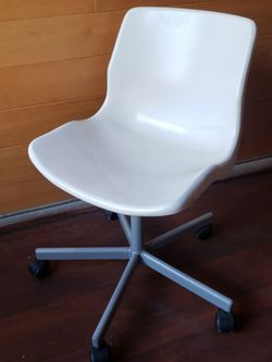 2 White desk chair for Sale in Los Angeles,  CA