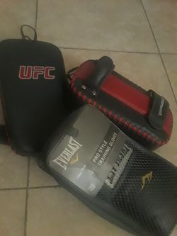 UFC and everlast training pads and gloves for Sale in La Mesa,  CA