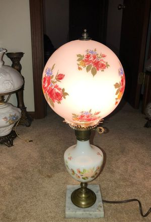 """21"""" Antique Bombay w Hand-Painted Roses on Milk Glass Hedco GWTW HURRICANE LAMP ON NATURAL WHITE MARBLE PEDESTAL AND BRASS BASE for Sale in Plainfield, IL"""