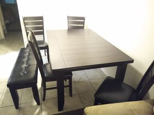 Kitchen Set with table and chairs for Sale in Phoenix, AZ