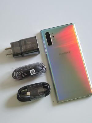 Samsung Galaxy Note 10+ Plus, Factory Unlocked, Nothing wrong works perfectly, Excellent condition like new for Sale in Springfield, VA