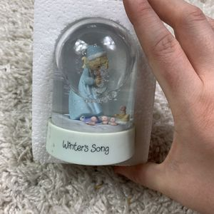 Precious moments winter song snow globe for Sale in Longview, WA