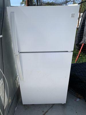 Kenmore refrigerator freezer for Sale in Huntington Beach, CA
