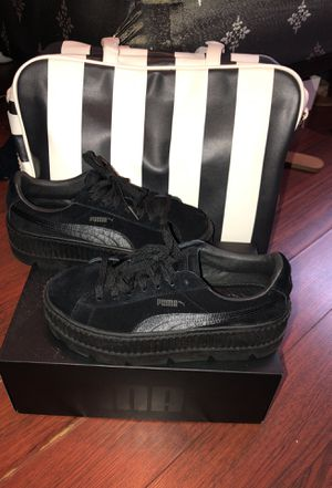Fenty Rihanna Pumas (Only Worn Once )Women Size (8.5) for Sale in Washington, DC