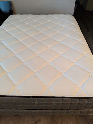 Queen mattress for Sale in Tualatin, OR