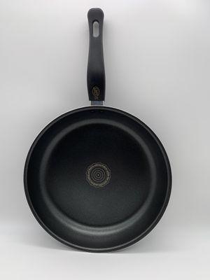 Kitchen shine IH fry pan 28cm for Sale in Fullerton, CA