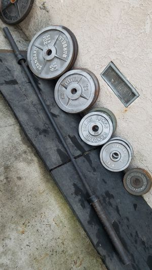 ( EXERCISE FITNESS 365 ) COMPLETE OLYMPIC WEIGHT SET AND OLYMPIC BARBELL COMBO for Sale in Long Beach, CA