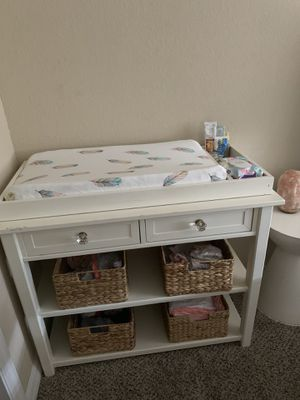 Pottery Barn changing table. for Sale in Miramar, FL