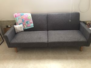 Futon couch/bed for Sale in West Palm Beach, FL