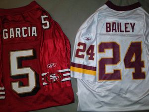 2 NFL Vantage Jerseys: for Sale in Hartford, CT