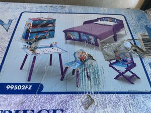 Frozen toddler bedroom set for Sale in Anaheim, CA
