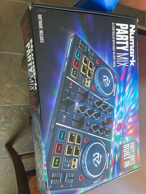 Numark party mix DJ CONTROLLER WITH BUILT IN LIGHT SHOW for Sale in Escondido, CA
