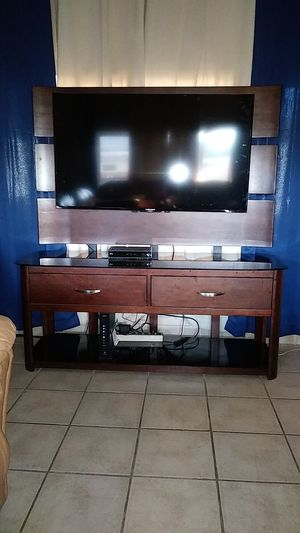 Tv stand with mount and drawers for Sale in Aurora, CO