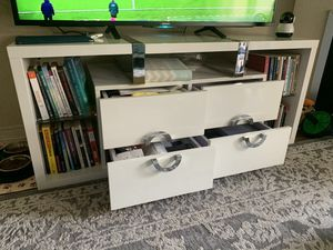 Tv Unit with Shelves and 4 drawers for Sale in Los Angeles, CA