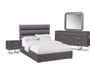 King Bedroom Set for Sale in Columbus, OH