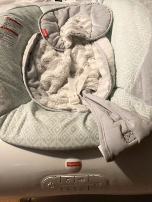 Baby Bouncer - Like New/ Excellent Condition for Sale in Bakersfield, CA