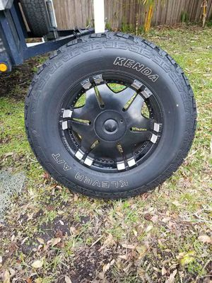 """18"""" wheels and tires. Like new Take offs from Jeep for Sale in Lakeland, FL"""