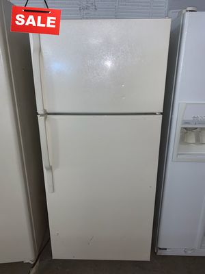 🚀🚀🚀Delivery Available Refrigerator Fridge GE Top Freezer #1359🚀🚀🚀 for Sale in Savage, MD