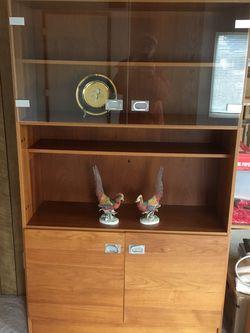 Display Case Shelf Unit Dania style for Sale in Edgewood,  WA